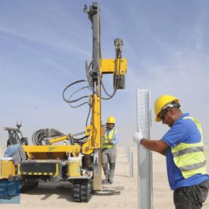 hincadora de postes solares desierto